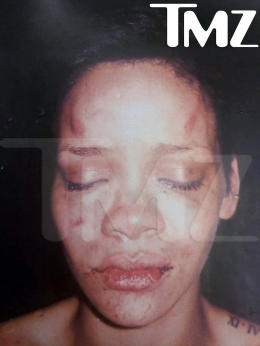 leaked photo of Rihanna