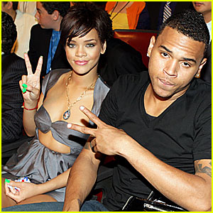 rihanna-chris-brown-mtv-movie-awards-2008