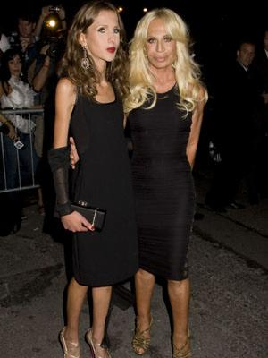 allegra_versace_with_mum
