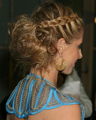 Sarah michelle gellar braids are